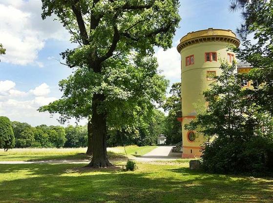 http://hamm-architektur-denkmalpflege.de/files/gimgs/th-21_herrnsheim_parkperspektive.jpg